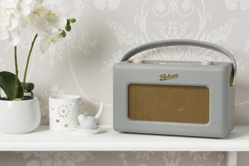 roberts_radio2.jpg